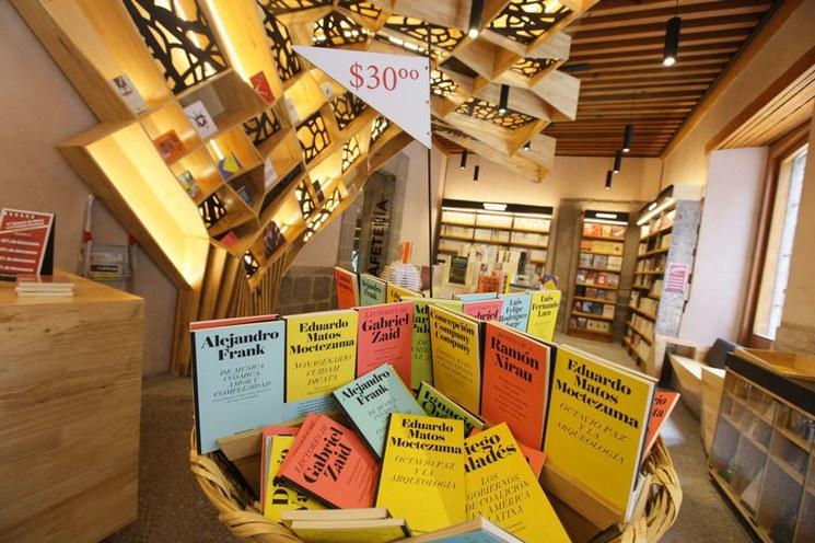 Colegio Nacional realiza hoy su quinto gran remate de libros